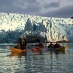 Kayaking in front of Nordensliôld glacier
