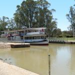 The Melbourne paddle steamer coming through Lock 11