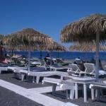 Strandstolene lige over hotellet