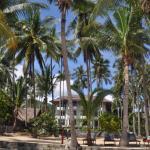 отель со стороны пляжа 1