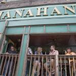 Bars & Restaurants in Walking Distance