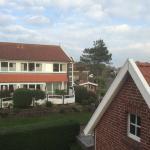 Blick vom Inselchalet auf das hotel