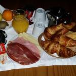 """Desayuno para 2 personas """" incluye en escapada romántica"""""""