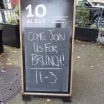 Foto de 10 Acres Bistro Bar