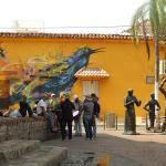 Parque detrás del hotel, guayabera, musica