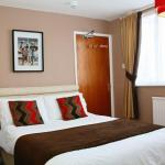 Room 6 - double bed and single bed