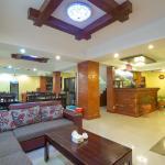 Lobby (159944838)