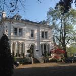 ELEGANT AND STYLISH, The Lypiatt House