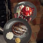 Tarte chocolat caramel beurre salé avec ses éclats de cacahuètes vs Tarte fraise crème pâtissièr