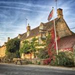 The Swan Inn Front