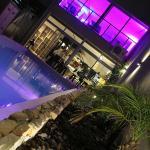 Vista de los Restaurants desde la piscina