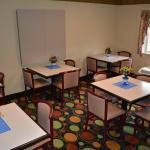 Breakfast/Meeting Room