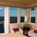 Photo de Cannery Pier Hotel
