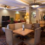 Breakfast Room & Lounge Area