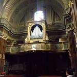 L'organo in fondo alla chiesa