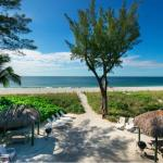 "Jensen's ""On the Gulf"" Captiva Island Directly On the Beach View"