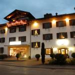 Straßenseite Hotel Neuer
