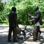 Monument to Pontekorvo and Dzhelepov