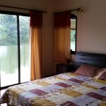 Bedroom onto lake