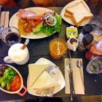 All day breakfast and Sandwich breakfast set - all for less than 400 thb