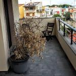 Balcony (2F)