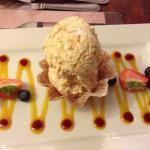 Brandy snap with praline ice cream