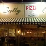 Φωτογραφία: Sally O'Neal's Pizza Hotline
