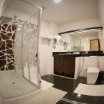 Bathroom - Deluxe Double Room