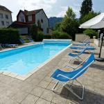 Terrasse avec piscine chauffée et bien exposée