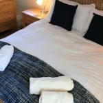Badgers Cottage master bedroom
