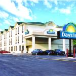 Photo de Days Inn - Toronto East Lakeview
