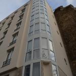 Angle de la façade de l'hôtel