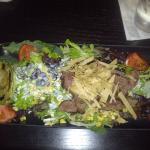 Grilled steak & avocado salad
