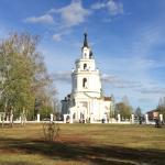Церковь рядом с усадьбой