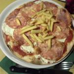 Pizza stracchino salame e patatine