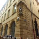 Статуя Св. Рока - защитника от чумы (строительство здания было прервано во время эпидемии в 1718