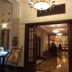 歴史的建築物内のレストラン