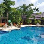 Photo de Baan Suan Resort