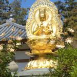 黄金色の仏像