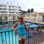 Balcón con vista a la piscina