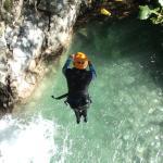 Saut dans le canyon du Verghellu à Vivario