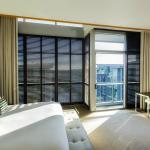 Luxury Atrium View Room
