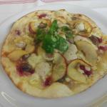 pizza saveurs de fetes :foie gras boudin blanc pomme