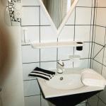 Einzelzimmer: Waschbecken im Picasso-Zimmer