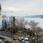 Мост через Босфор. Вид из окна. День.