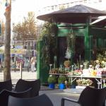 Fleuriste de la Canebière  en face de l'Hotel