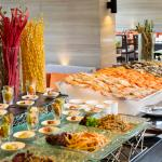 Holiday Inn Bangkok Sukhumvit - Zeta Cafe Buffet