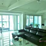 2-bedrooms apt (Rm 502) - Living rm 3