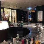 Bar mit Blick Richtung Lobby