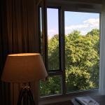 """""""Blick aus dem Zimmer in das Grüne"""""""